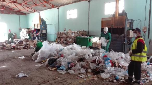 Mascara: point de conditionnement pour les déchets commerciaux